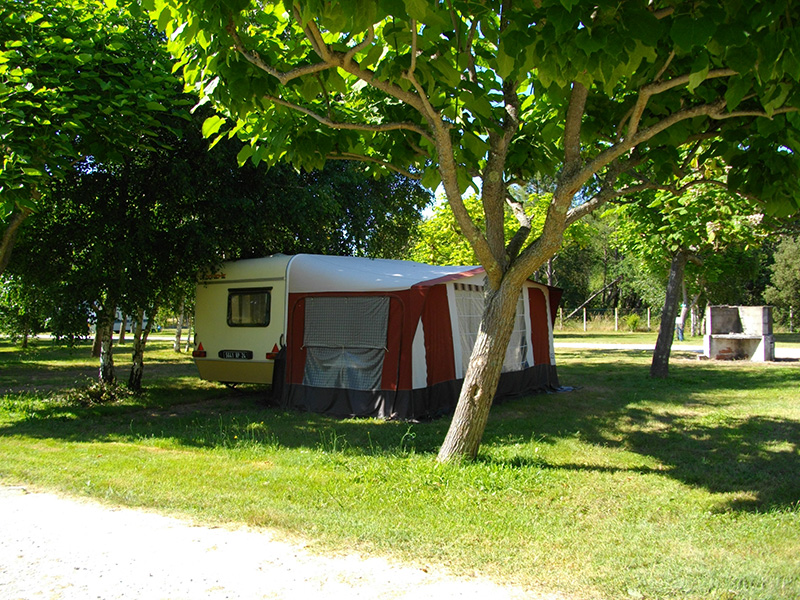 camping-les-franquettes-location-mobil-home-gironde-pres-de-soulac-sur-mer-Emplacements-photo5.jpg