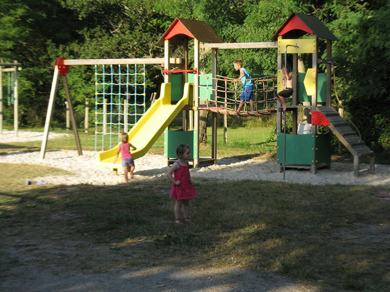 camping-les-franquettes-location-mobil-home-gironde-pres-de-soulac-sur-mer-Services-photo3.jpg